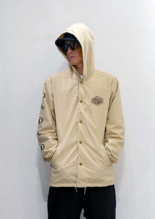 coatch_jacket_beige_front1.jpg